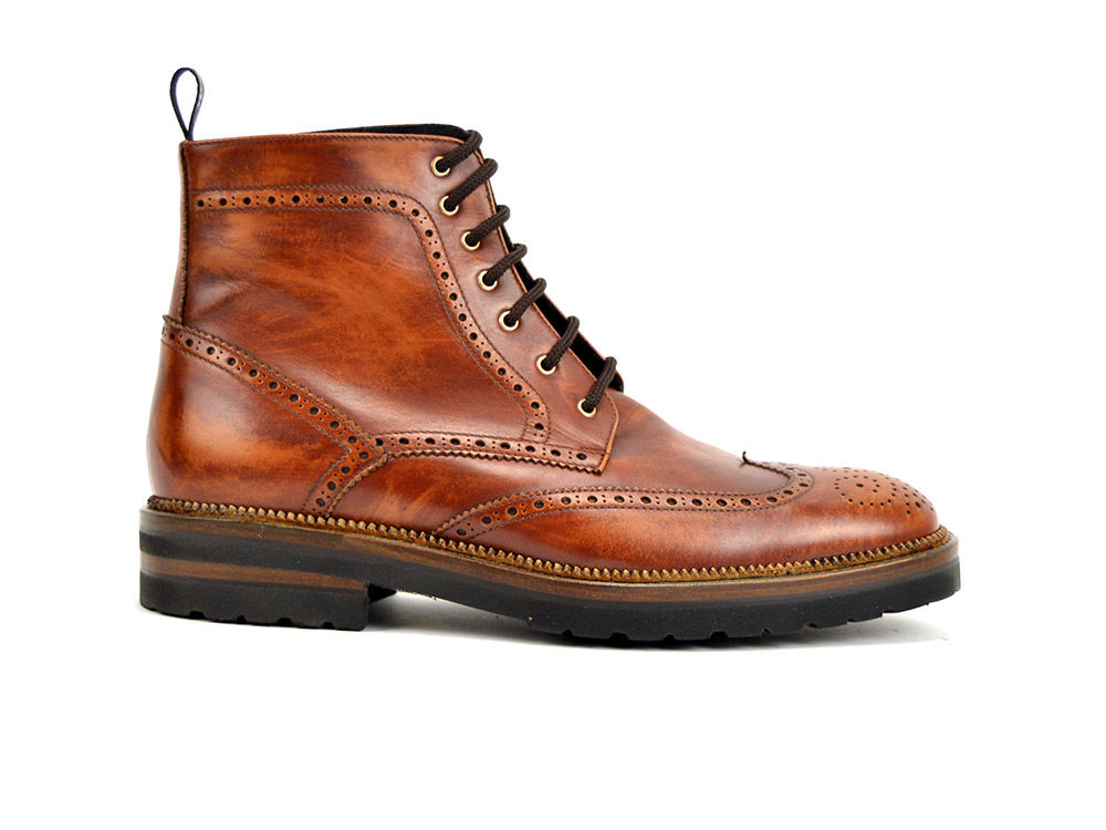 ankle wing brogue boot in brown leather