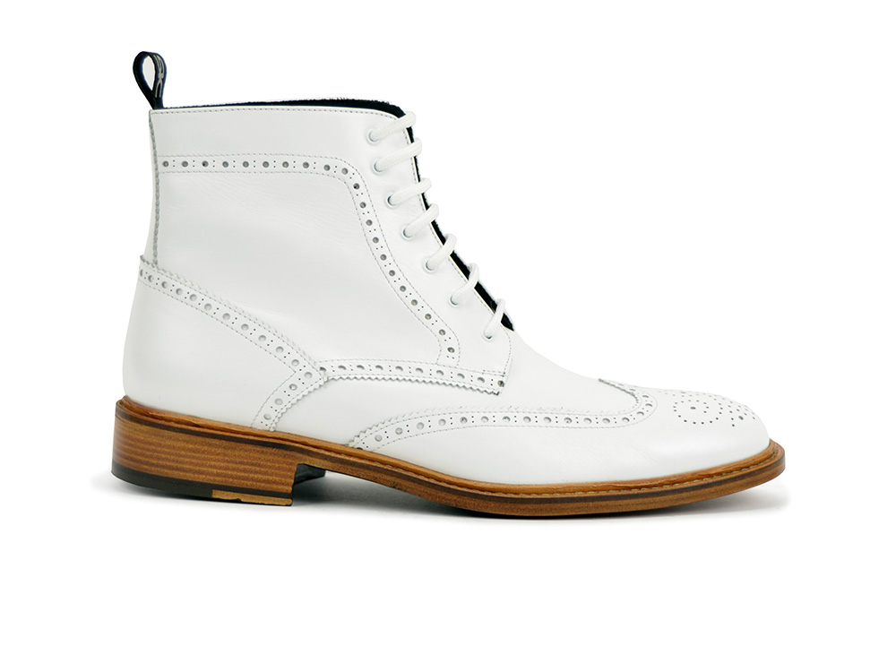 ankle wing brogue boot in white leather