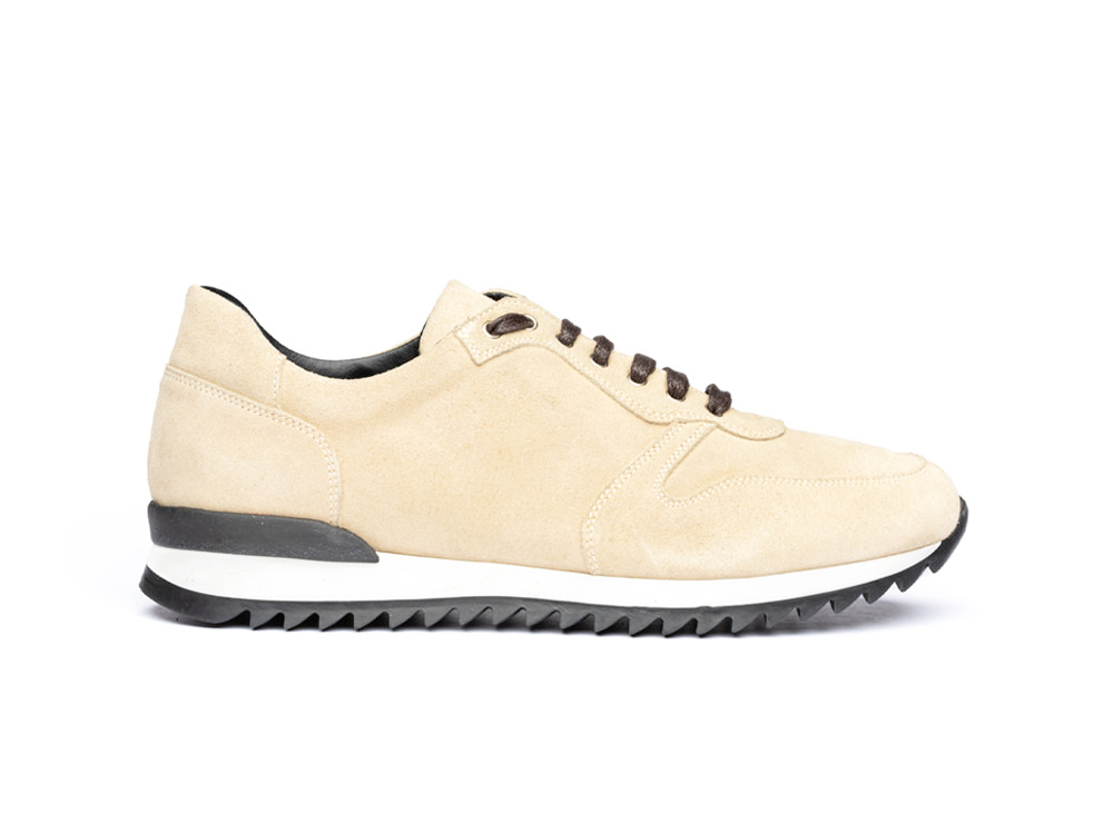 low top running suede sand