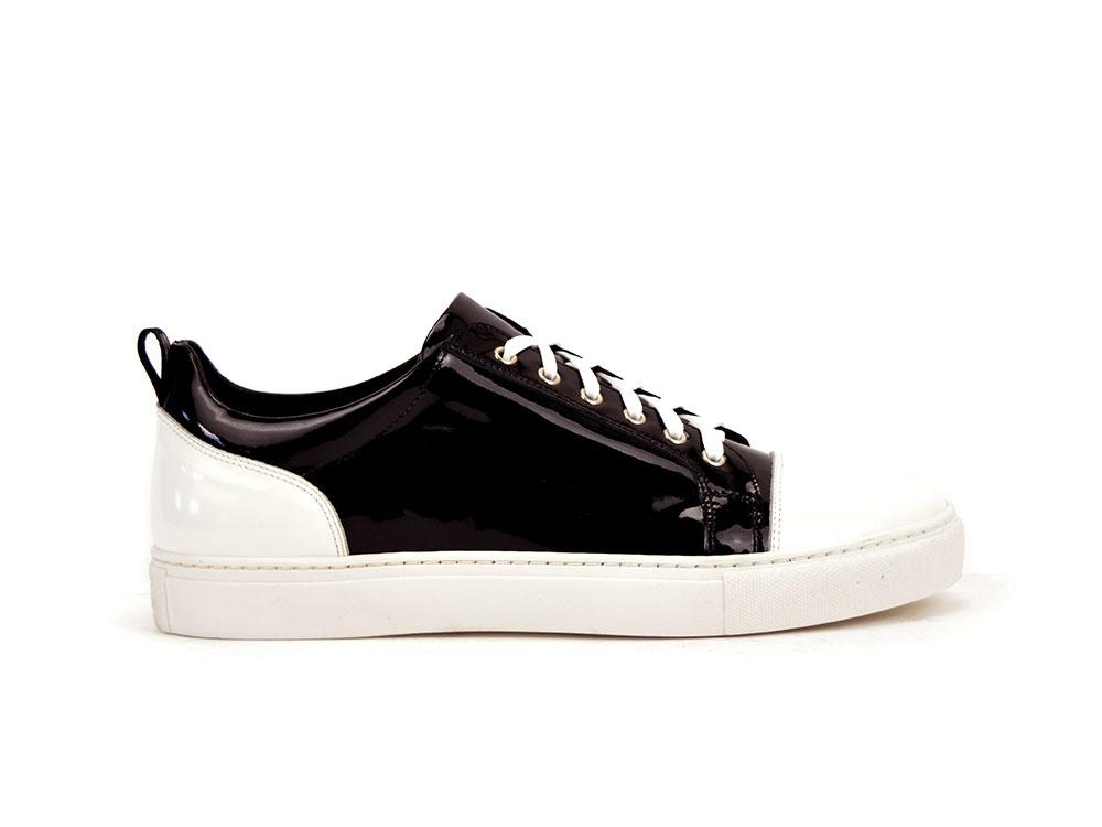 sneakers bassa vernice nera e lucido bianco