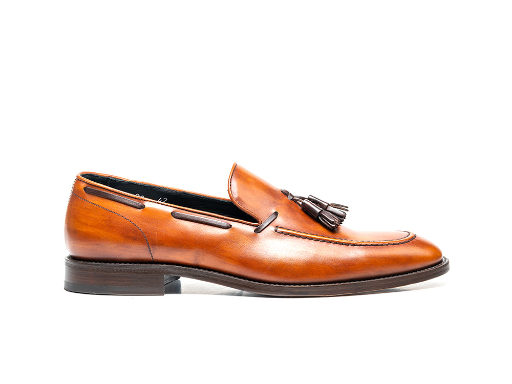 tan deco leather men tassel loafer