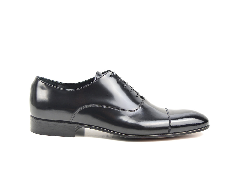 black shiny leather patent toe men toe cap