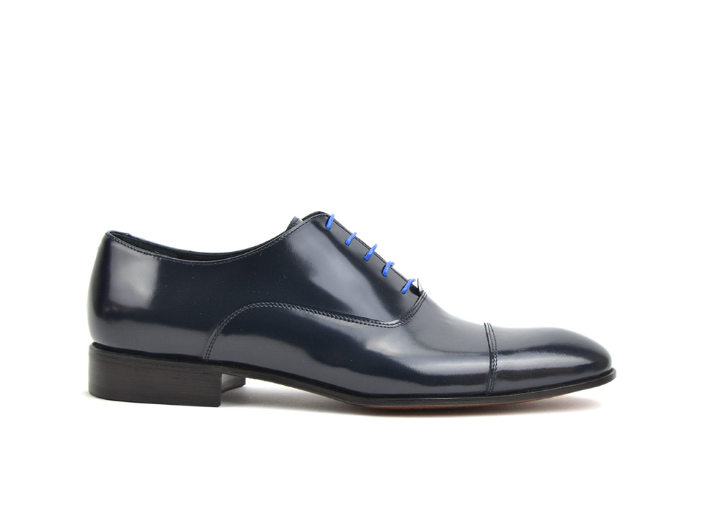 blue shiny leather men toe cap