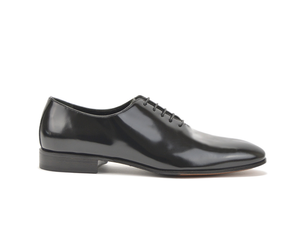 black shiny leather men oxford plain